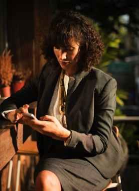 pexels-photo-546166-woman's suit