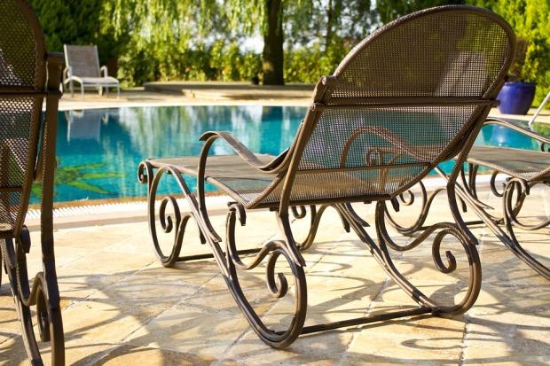 Swimming Pool-Pixabay-sunbeds-2446614_960_720